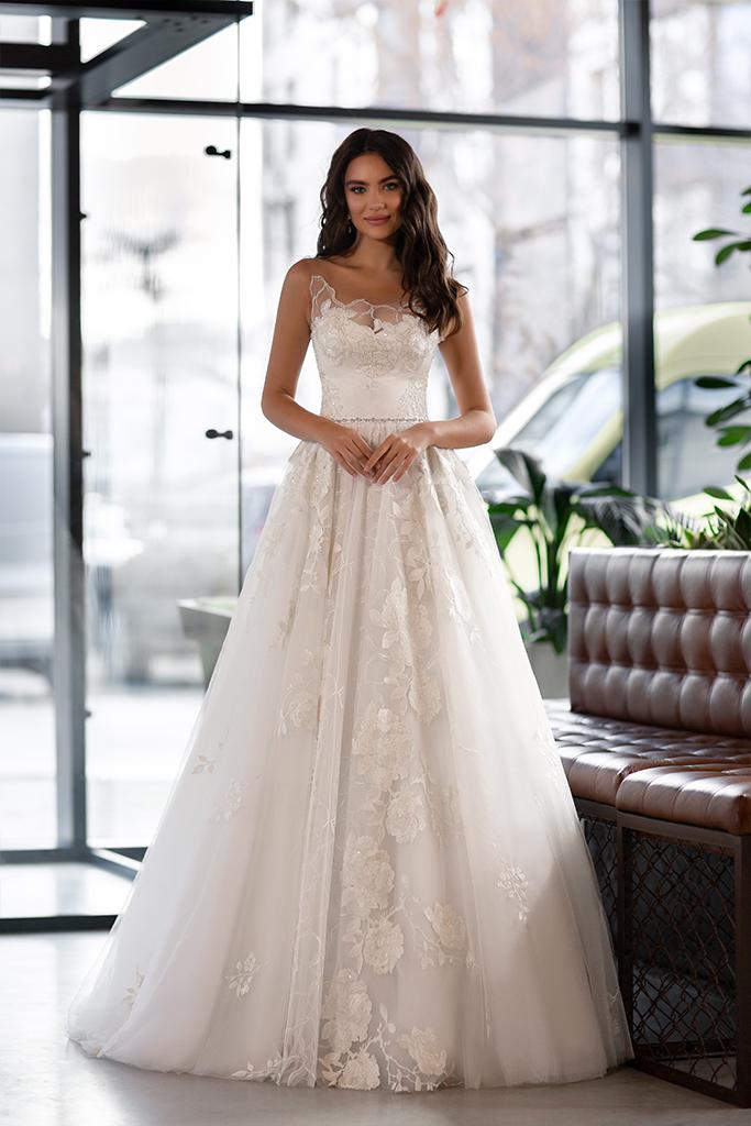 Suknie ślubne Karla Kolekcja  Gloss  Sylwetka  Princessa   Kolor  Kremowy  Dekolt  Dekolt w kształcie serca  Rękawy  Szerokie ramiączka  Przezroczyste ramiączka  Flex  Z trenem - foto 2