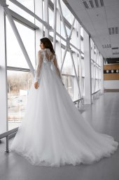 Wedding dresses Lorelay Collection  Gloss  Silhouette  Ball Gown  Color  Ivory  Neckline  Sweetheart  Sleeves  Sleeveless  Train  With train - foto 4