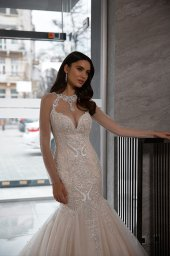 Wedding dresses Nicol Collection  Gloss  Silhouette  Mermaid  Color  Blush  Ivory  Neckline  Sweetheart  Halter  Sleeves  Long Sleeves  Fitted  Train  With train - foto 2