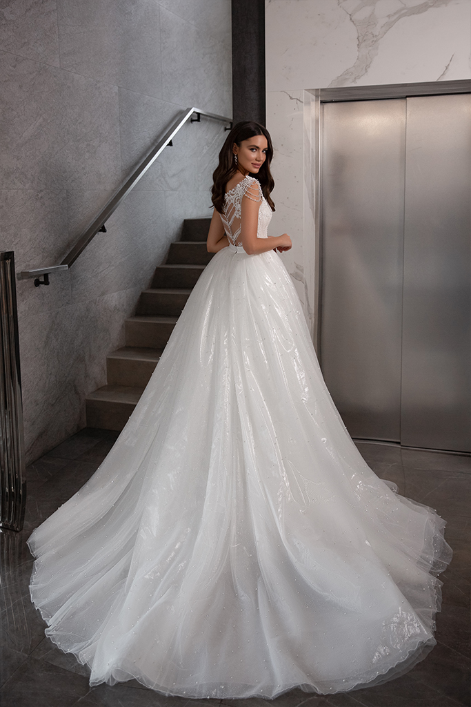 Wedding dresses Opal Collection  Gloss  Silhouette  Fitted  A Line  Color  Blush  Ivory  Neckline  Sweetheart  Sleeves  Wide straps  Train  Detachable train - foto 5