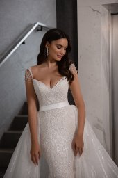 Wedding dresses Opal Collection  Gloss  Silhouette  Fitted  A Line  Color  Blush  Ivory  Neckline  Sweetheart  Sleeves  Wide straps  Train  Detachable train - foto 4