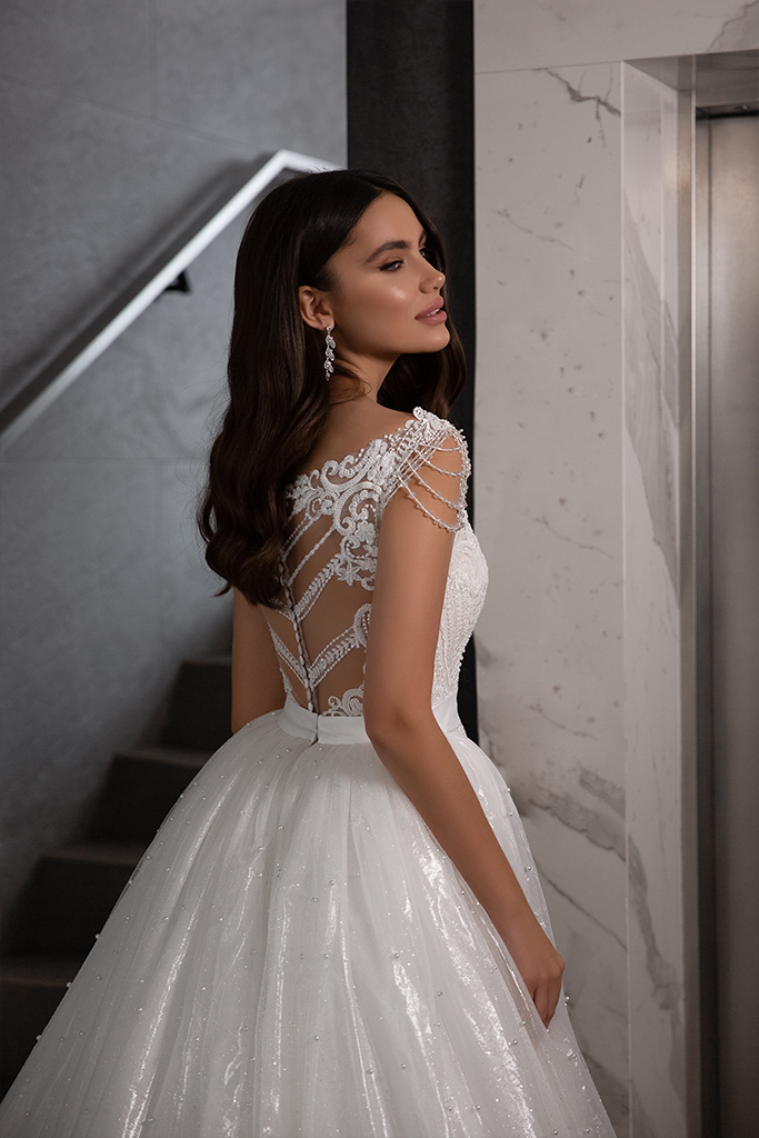 Wedding dresses Opal Collection  Gloss  Silhouette  Fitted  A Line  Color  Blush  Ivory  Neckline  Sweetheart  Sleeves  Wide straps  Train  Detachable train - foto 6