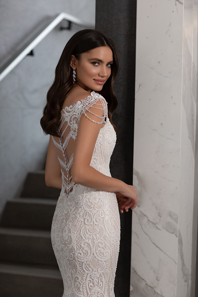 Wedding dresses Opal Collection  Gloss  Silhouette  Fitted  A Line  Color  Blush  Ivory  Neckline  Sweetheart  Sleeves  Wide straps  Train  Detachable train - foto 7