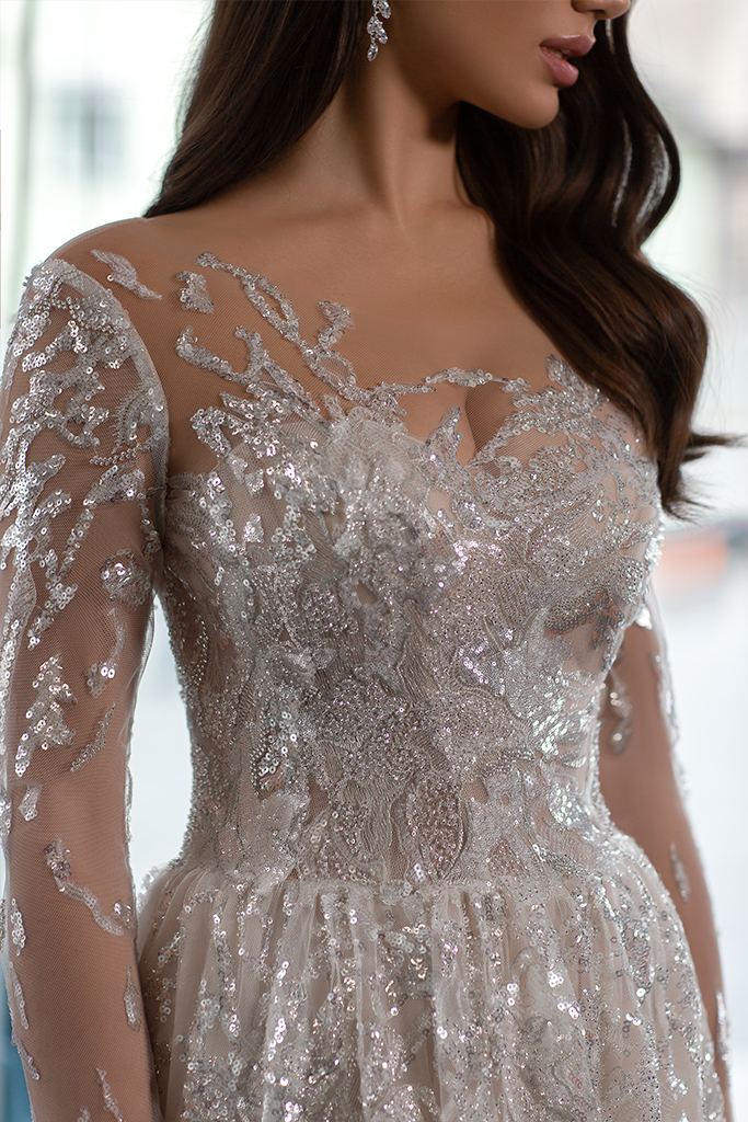 Wedding dresses Shine Collection  Gloss  Silhouette  A Line  Color  Silver  Ivory  Neckline  Sweetheart  Sleeves  Long Sleeves  Fitted  Train  With train - foto 2
