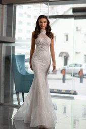 Wedding dresses Vanessa Collection  Gloss  Silhouette  Fitted  A Line  Color  Blush  Ivory  Neckline  Halter  Sleeves  Wide straps  Train  Detachable train  With train - foto 4