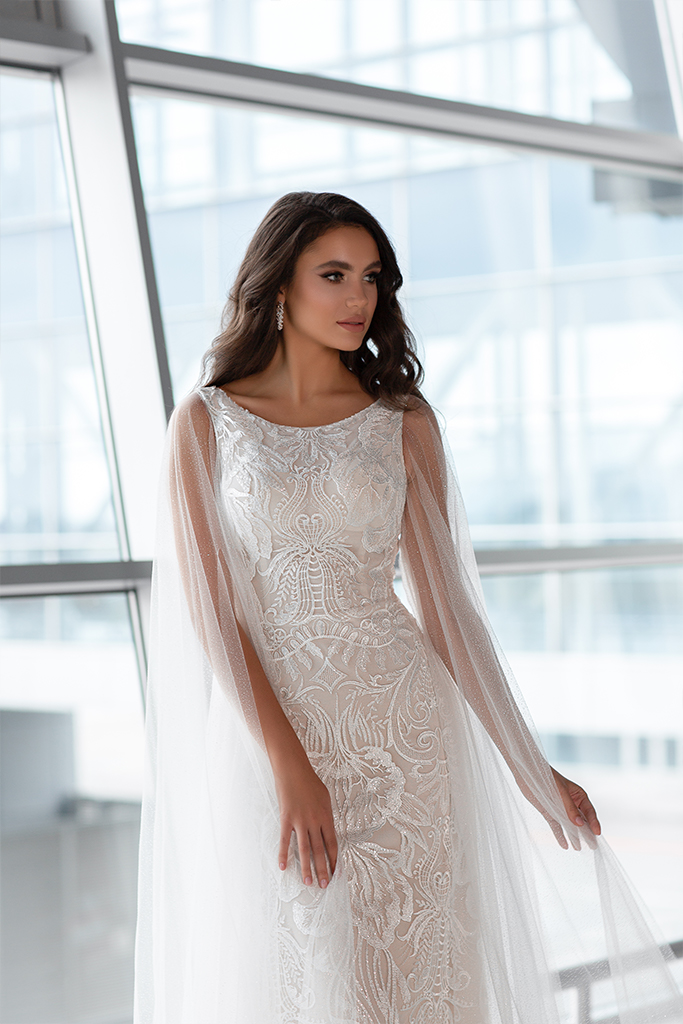 Wedding dresses Viola Collection  Gloss  Silhouette  Sheath  Color  Ivory  Neckline  Bateau (Boat Neck)  Sleeves  Wide straps  Train  With train - foto 4