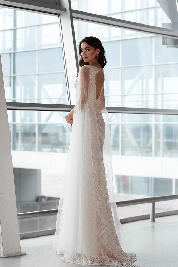 Wedding dresses Viola Collection  Gloss  Silhouette  Sheath  Color  Ivory  Neckline  Bateau (Boat Neck)  Sleeves  Wide straps  Train  With train - foto 3