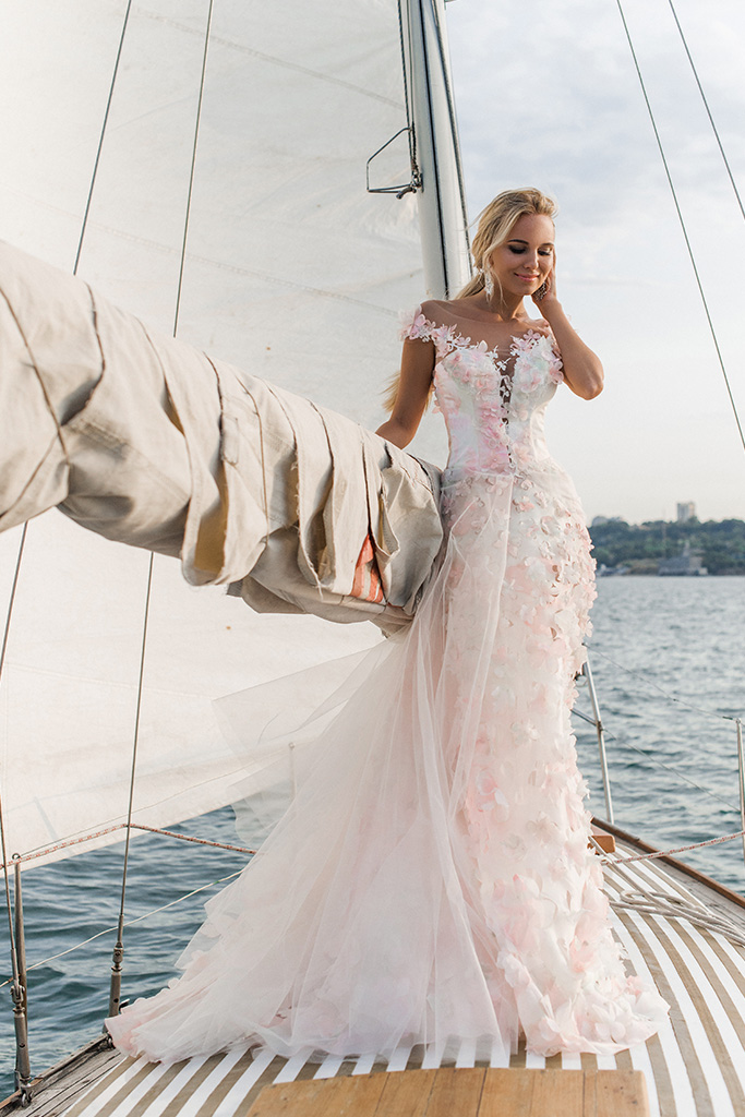 Wedding dresses Florain Collection  Voyage  Silhouette  A Line  Color  Multi  Pink  Ivory  Neckline  Sweetheart  Illusion  Sleeves  Wide straps  Train  With train - foto 5