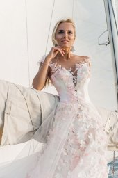 Wedding dresses Florain Collection  Voyage  Silhouette  A Line  Color  Multi  Pink  Ivory  Neckline  Sweetheart  Illusion  Sleeves  Wide straps  Train  With train - foto 4