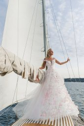 Wedding dresses Florain Collection  Voyage  Silhouette  A Line  Color  Multi  Pink  Ivory  Neckline  Sweetheart  Illusion  Sleeves  Wide straps  Train  With train - foto 2