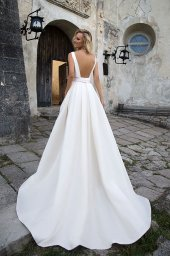 Wedding dresses Robin 1 Collection  Supreme Classic  Silhouette  A Line  Color  Cappuccino  Neckline  Straight  Sleeves  Wide straps  Train  With train - foto 3
