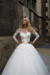 Wedding dresses Cataleya 1 Collection  Iconic Look  Silhouette  Ball Gown  Color  Ivory  Neckline  Sweetheart  Jewel  Illusion  Sleeves  Long Sleeves  Fitted  Train  With train - foto 2