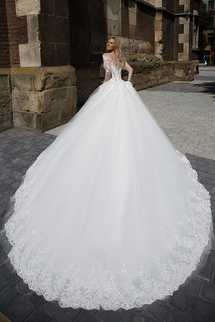 Wedding dresses Cataleya 1 Collection  Iconic Look  Silhouette  Ball Gown  Color  Ivory  Neckline  Sweetheart  Jewel  Illusion  Sleeves  Long Sleeves  Fitted  Train  With train - foto 3