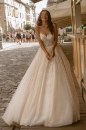 Wedding dresses Zoe Collection  City Passion  Silhouette  A Line  Color  Blush  Ivory  Neckline  Portrait (V-neck)  Sleeves  Spaghetti Straps  Train  With train - foto 2