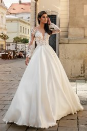 Wedding dresses Aimi Collection  City Passion  Silhouette  A Line  Color  White  Neckline  Portrait (V-neck)  Sleeves  Long Sleeves  Fitted  Train  With train - foto 2