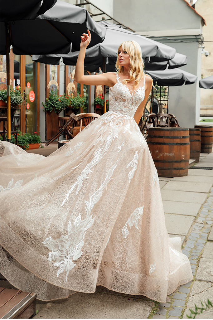 Wedding dresses Charlize Collection  City Passion  Silhouette  A Line  Color  Blush  Ivory  Neckline  Sweetheart  Sleeves  Wide straps  Train  With train - foto 2