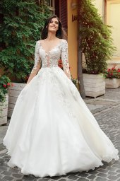 Wedding dresses Emma Collection  City Passion  Silhouette  A Line  Color  Blush  Ivory  Neckline  Portrait (V-neck)  Illusion  Sleeves  Long Sleeves  Fitted  Train  With train - foto 2
