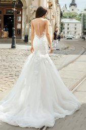 Wedding dresses Melania-1 Collection  City Passion  Silhouette  Fitted  Color  Ivory  Neckline  Portrait (V-neck)  Sleeves  Illusion Straps  Train  With train - foto 2