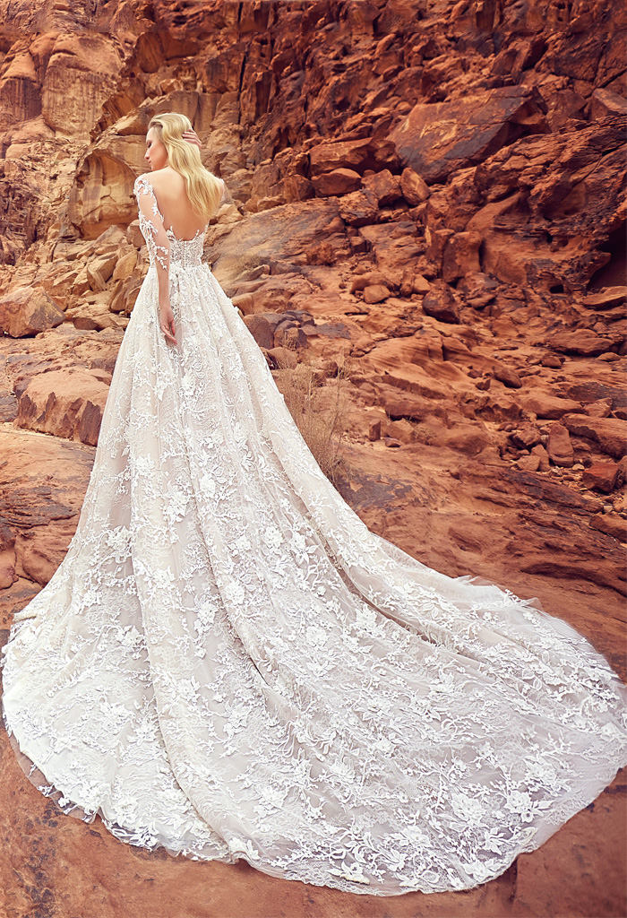 Wedding dresses Liliana Collection  Voyage  Silhouette  A Line  Color  Cappuccino  Ivory  Neckline  Sweetheart  Illusion  Sleeves  Long Sleeves  Fitted  Train  With train - foto 2