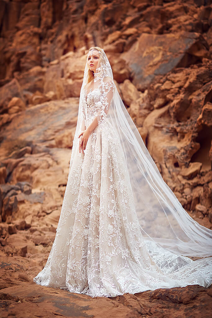 Wedding dresses Liliana Collection  Voyage  Silhouette  A Line  Color  Cappuccino  Ivory  Neckline  Sweetheart  Illusion  Sleeves  Long Sleeves  Fitted  Train  With train - foto 4