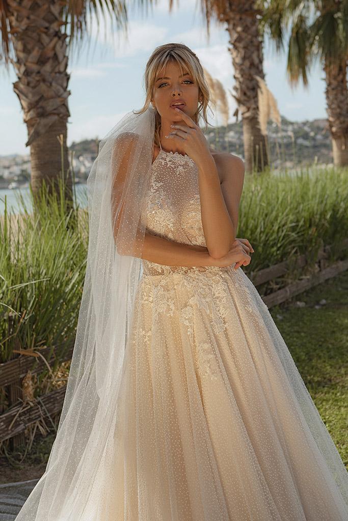 Wedding dresses Angela Silhouette  A Line  Color  Ivory-blush  Neckline  Halter  Sleeves  Sleeveless  Train  With train - foto 2
