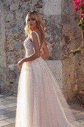 Wedding dresses Erika Silhouette  A Line  Color  Ivory-blush  Neckline  Portrait (V-neck)  Sleeves  Wide straps  Train  With train - foto 4