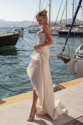 Wedding dresses Ester Silhouette  Fitted  Color  Blush  Ivory  Neckline  Sweetheart  Sleeves  Wide straps  Train  With train - foto 6