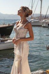 Wedding dresses Ester Silhouette  Fitted  Color  Blush  Ivory  Neckline  Sweetheart  Sleeves  Wide straps  Train  With train - foto 2