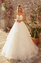 Wedding dresses Jardine with cape Silhouette  A Line  Color  Ivory-blush  Neckline  Sweetheart  Sleeves  Sleeveless  Train  Cape  With train - foto 5