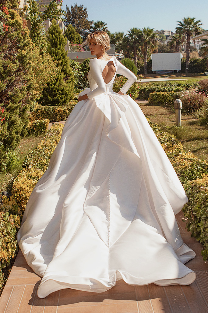 Wedding dresses Lenny Silhouette  A Line  Color  Ivory  Sleeves  Long Sleeves  Train  With train - foto 4