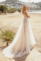 Wedding dresses Luciya Silhouette  A Line  Color  Ivory-blush  Neckline  Scoop  Sleeves  Sleeveless  Train  With train - foto 5