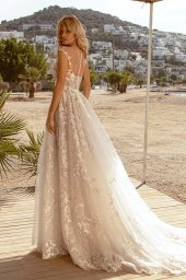 Wedding dresses Luciya Silhouette  A Line  Color  Ivory-blush  Neckline  Scoop  Sleeves  Sleeveless  Train  With train - foto 3