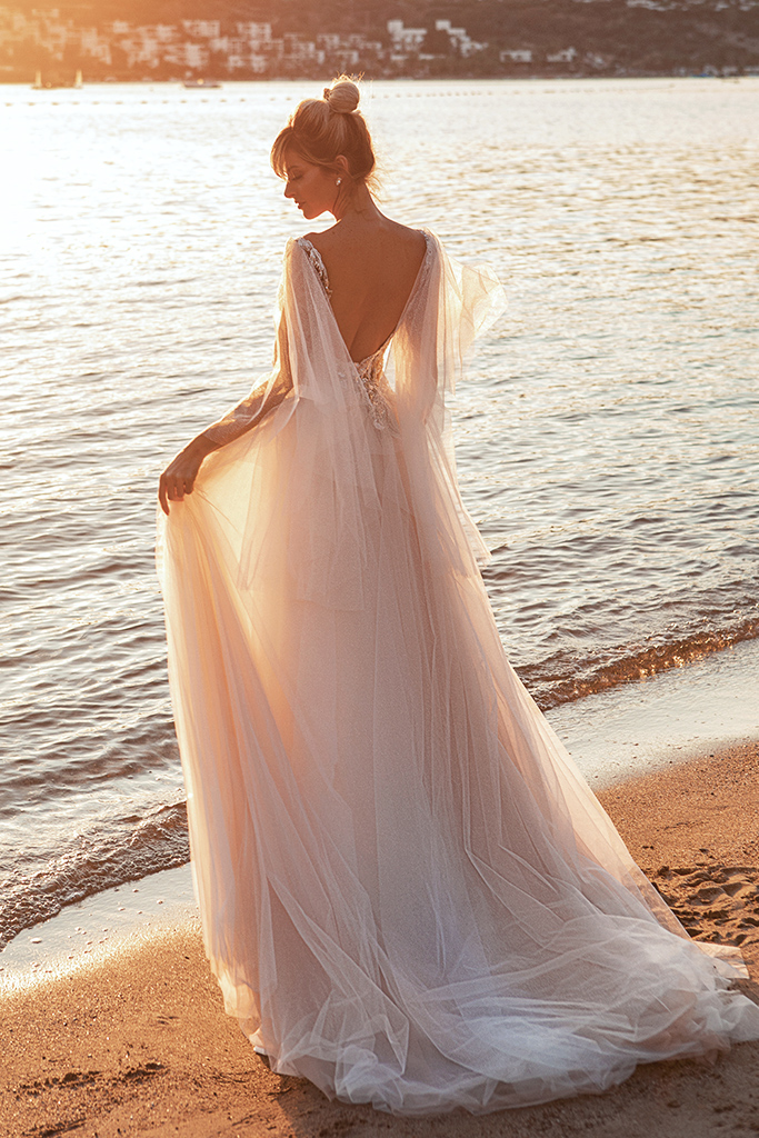Wedding dresses Ramina Silhouette  A Line  Color  Ivory-blush  Neckline  Scoop  Sleeves  Detachable  Train  With train - foto 4
