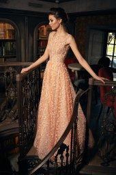 Sukienki Wieczorowe 1271 Sylwetka  Balowa suknia   Kolor  Brzoskiwiniowy  Dekolt  Prosty  Rękawy  Szerokie ramiączka  Flex  Bez trenu - foto 3