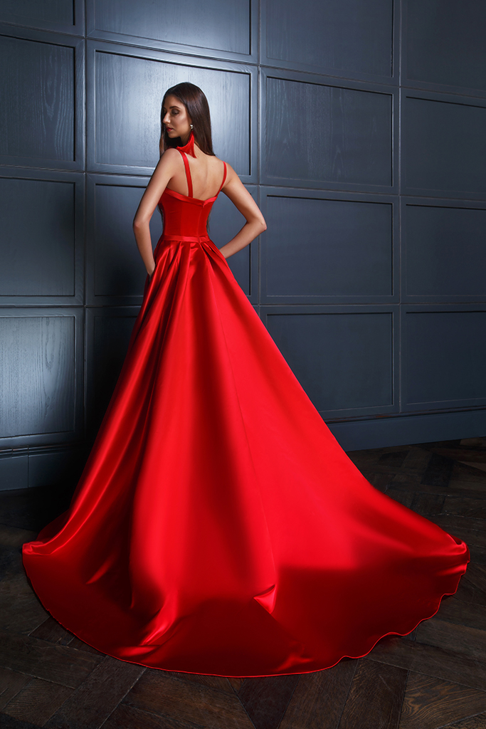 Evening Dresses 1440 Silhouette  A Line  Color  Red  Neckline  Sweetheart  Sleeves  Wide straps  Train  With train - foto 2