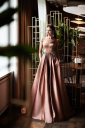 Evening Dresses 1415 Silhouette  A Line  Color  Nude  Neckline  Sweetheart  Sleeves  Wide straps  Train  With train - foto 4