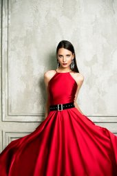 Evening Dresses 1361 Silhouette  A Line  Color  Red  Neckline  Halter  Sleeves  Sleeveless  Train  No train - foto 3