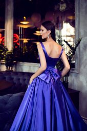 Evening Dresses 1421 Silhouette  A Line  Color  Violet  Neckline  Straight  Sleeves  Wide straps  Train  No train - foto 3