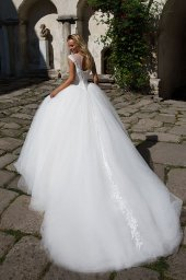 Wedding dresses Stella Collection  Iconic Look  Silhouette  Ball Gown  Color  Ivory  Neckline  Sweetheart  Illusion  Sleeves  Off the Shoulder Sleeves  Train  With train - foto 2