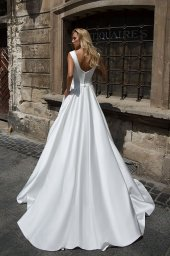 Wedding dresses Willow Collection  Supreme Classic  Silhouette  A Line  Color  Ivory  White  Neckline  Scoop  Sleeves  Wide straps  Train  With train - foto 3