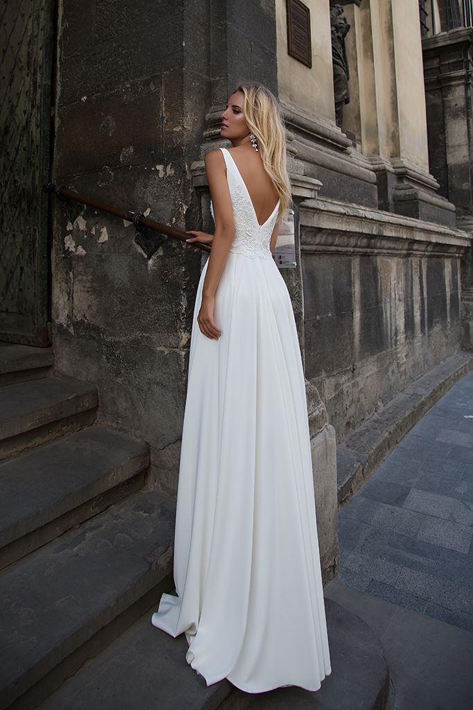 Wedding dresses Eve Collection  Supreme Classic  Silhouette  A Line  Color  Ivory  Neckline  Scoop  Sleeves  Wide straps  Train  No train - foto 3