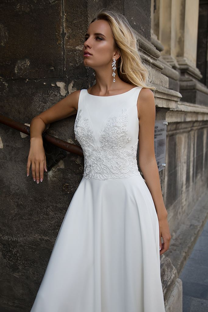 Wedding dresses Eve Collection  Supreme Classic  Silhouette  A Line  Color  Ivory  Neckline  Scoop  Sleeves  Wide straps  Train  No train - foto 2