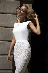 Wedding dresses Andrea Collection  Supreme Classic  Silhouette  Fitted  Color  Ivory  Neckline  Scoop  Sleeves  Wide straps  Train  With train - foto 3