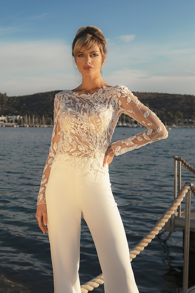Wedding dresses Sandy Color  Ivory  Neckline  Scoop  Sleeves  Long Sleeves  Train  With train - foto 2