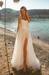 Wedding dresses Sia Silhouette  A Line  Color  Ivory-blush  Neckline  Sweetheart  Sleeves  Wide straps  Train  With train - foto 2