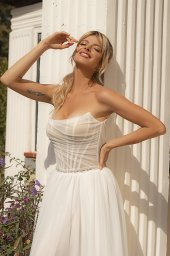 Wedding dresses Susan Silhouette  A Line  Color  Ivory  Neckline  Straight  Sleeves  Sleeveless  Train  With train - foto 5