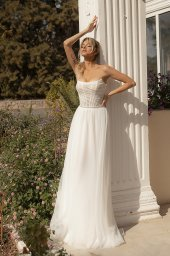 Wedding dresses Susan Silhouette  A Line  Color  Ivory  Neckline  Straight  Sleeves  Sleeveless  Train  With train - foto 4