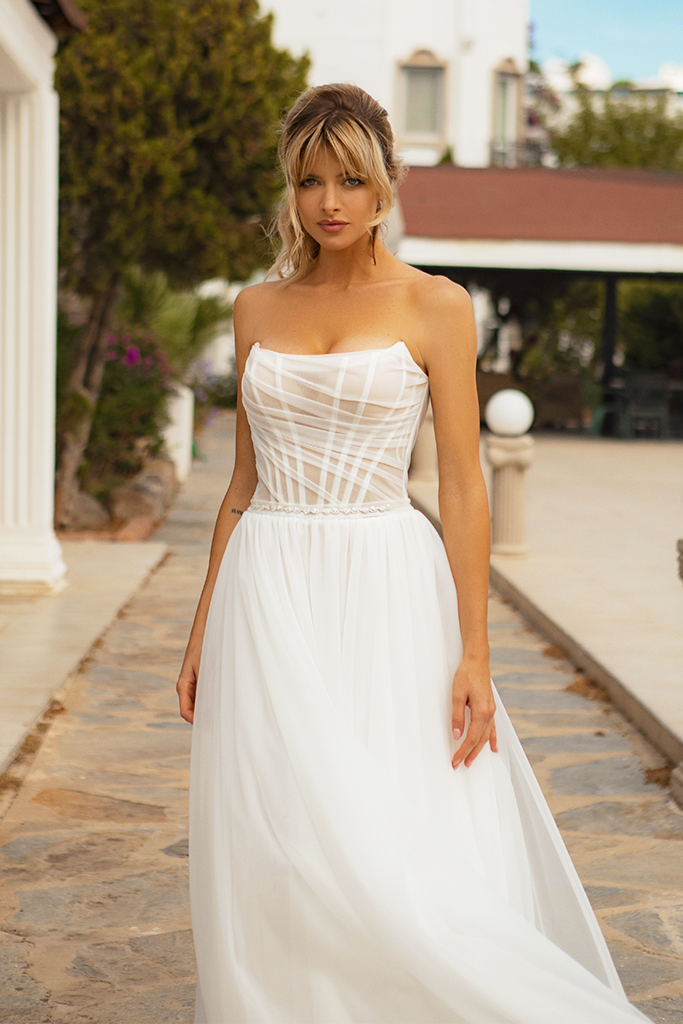 Wedding dresses Susan Silhouette  A Line  Color  Ivory  Neckline  Straight  Sleeves  Sleeveless  Train  With train - foto 3