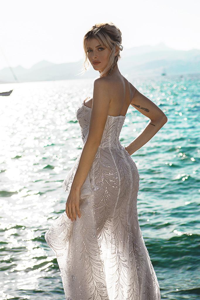 Wedding dresses Vickie Silhouette  Sheath  Color  Ivory-blush  Sleeves  Sleeveless  Train  With train - foto 4