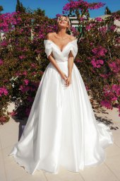 Wedding dresses Alicia Silhouette  A Line  Color  Ivory  Neckline  Sweetheart  Sleeves  Off the Shoulder Sleeves  Train  With train - foto 3